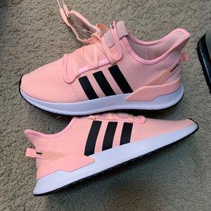 NWT Adidas shoes, sz 10